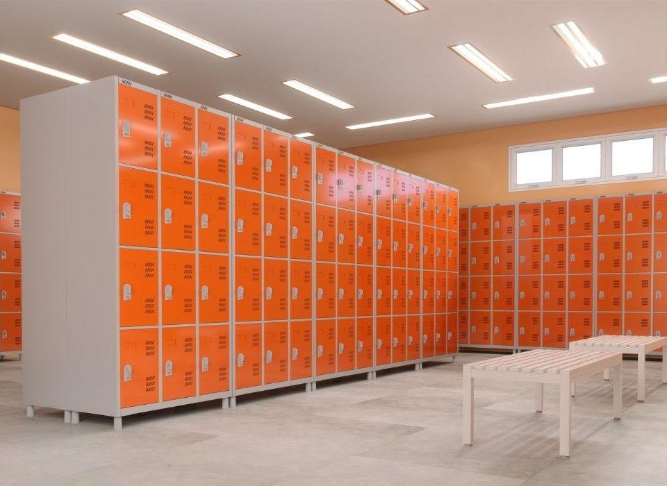 vestiário com lockers de aço colorido