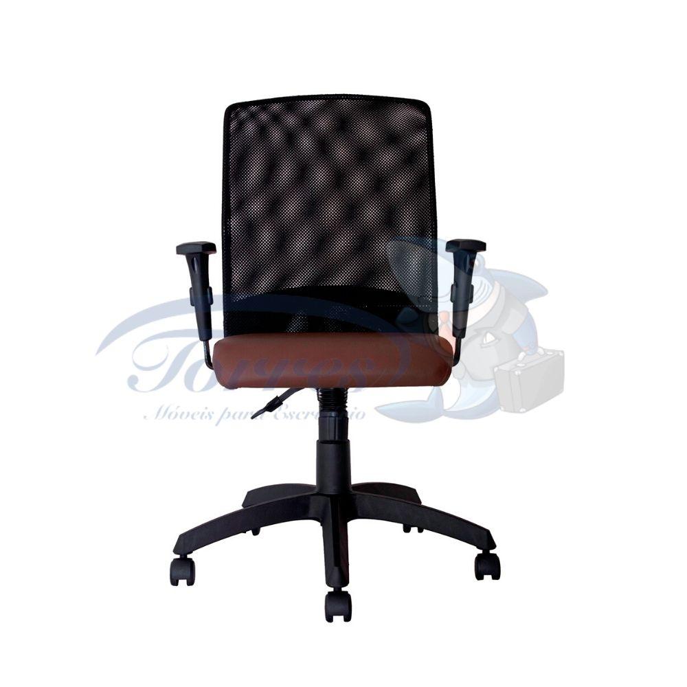 Cadeira Diretor Torres Aisha base giratória e braço regulável