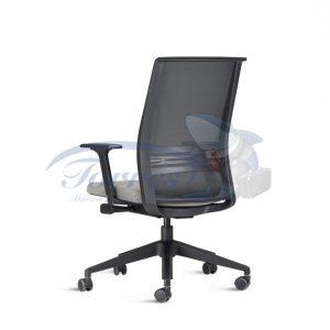 Cadeira Diretor Torres Agile com base giratória preta e braço regulável