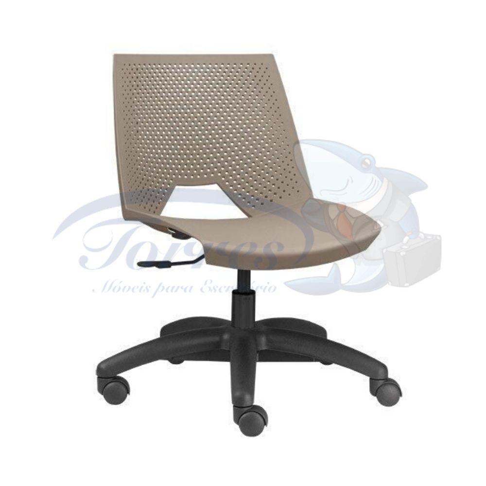 Cadeira strike assento e encosto areia base giratória preta