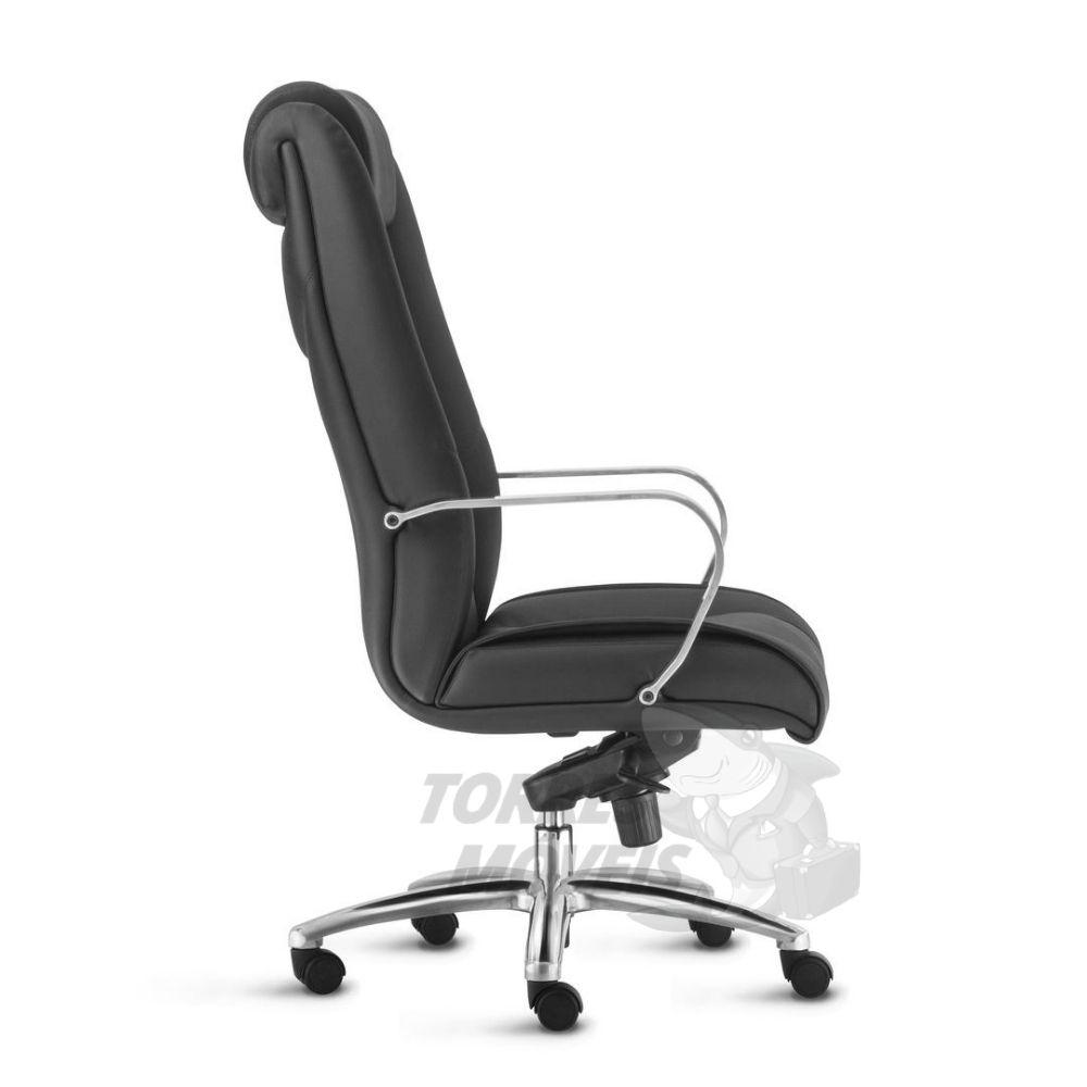Cadeira Presidente Torres New Onix com encosto de cabeça e braço cromado